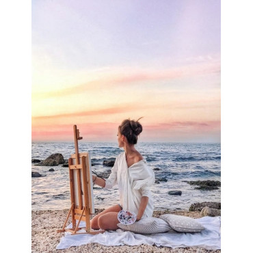 Женщина рисует у моря картина по номерам 40х50